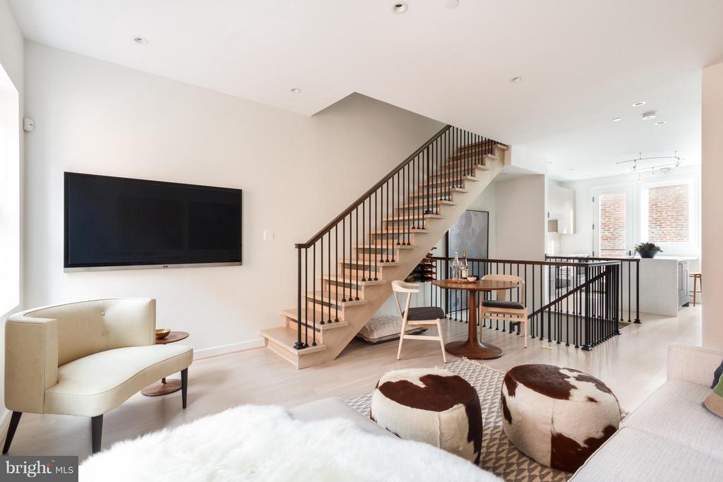 Living Room - 1313 LINDEN CT NE, WASHINGTON