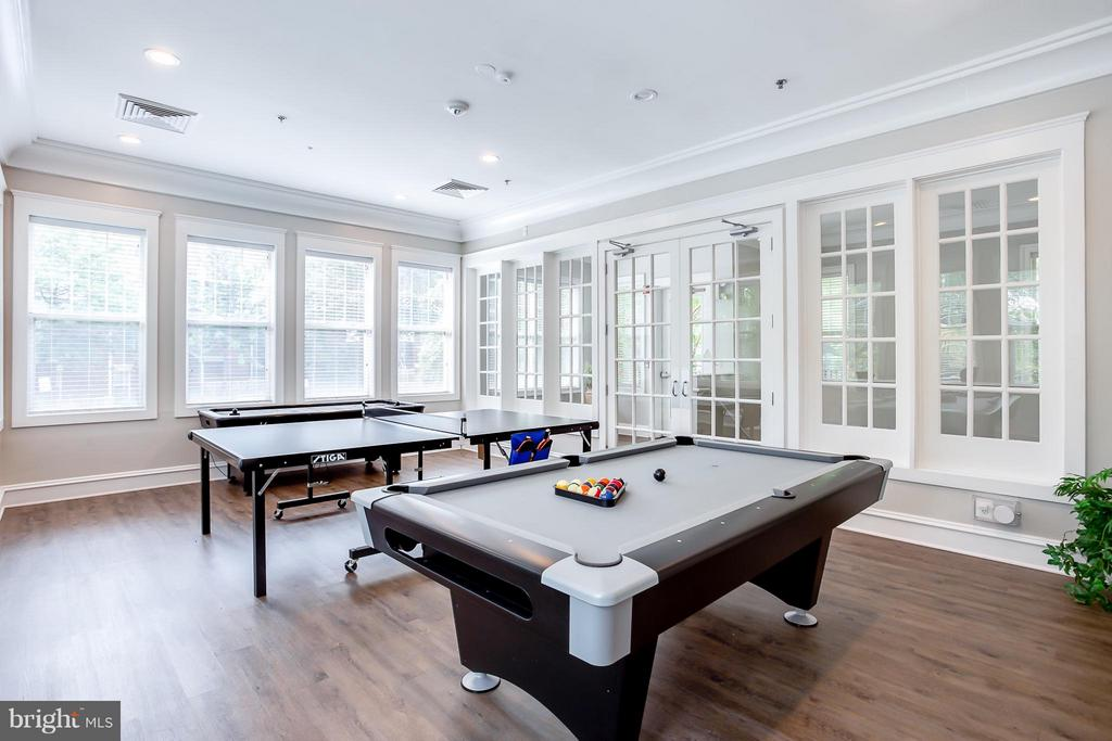 NEW Billiards and Game Room - 1625 INTERNATIONAL DR #TH1, MCLEAN