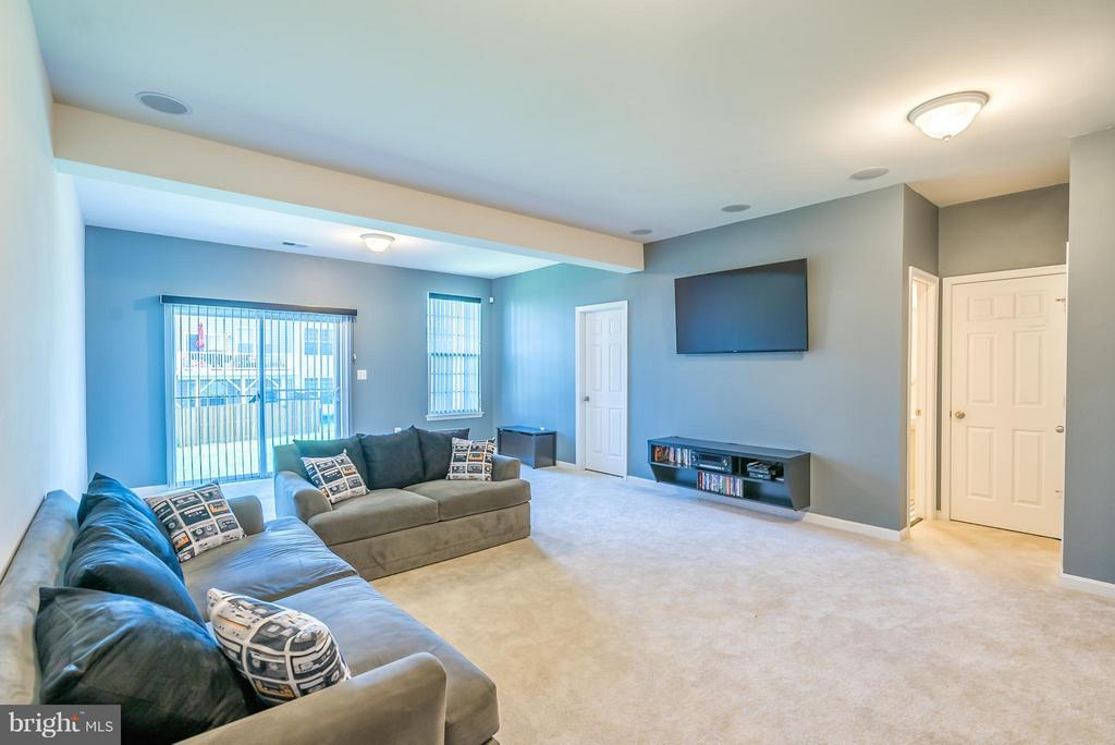 Bright and Spacious  Walk Out Lower Level - 9053 MARIA WAY, MANASSAS PARK