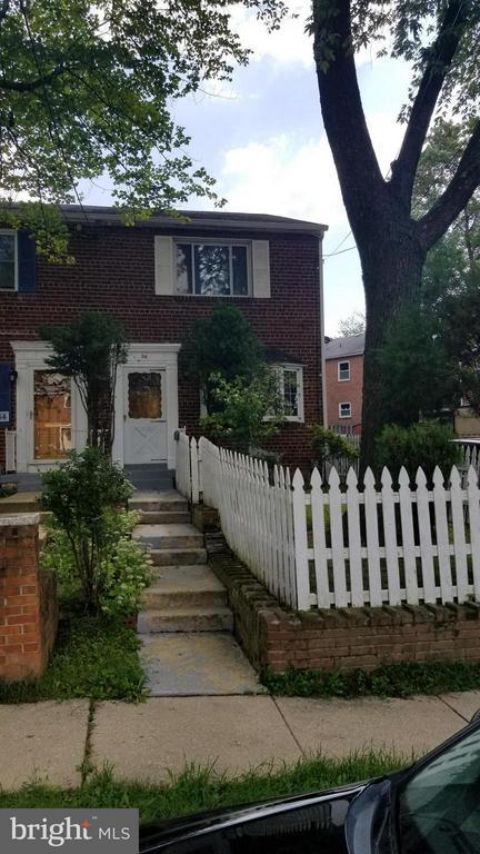 56  GORDON STREET, Alexandria, Virginia