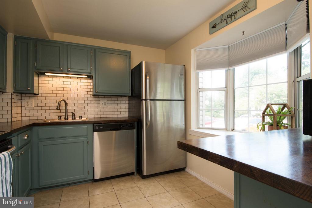 Kitchen - 45 BICKEL CT, STERLING