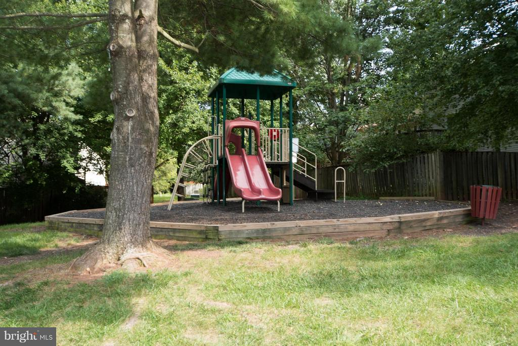 View - 45 BICKEL CT, STERLING