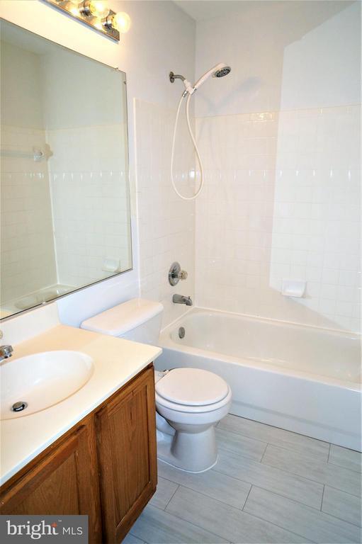 Hall Bath with New Floor Tile - 16948 TOMS RIVER LOOP, DUMFRIES