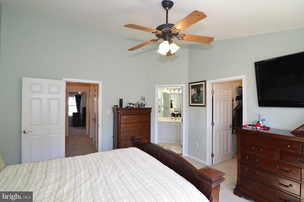 Bedroom (Master) - 5427 CRYSTALFORD LN, CENTREVILLE