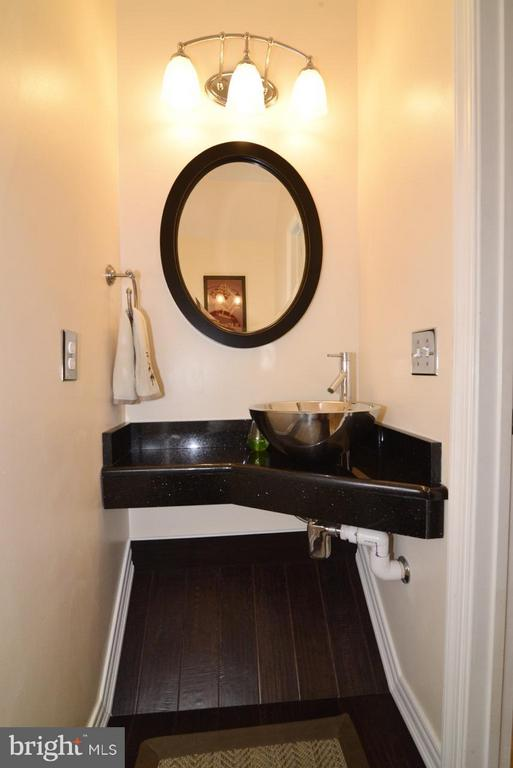ML Powder room - 5427 CRYSTALFORD LN, CENTREVILLE