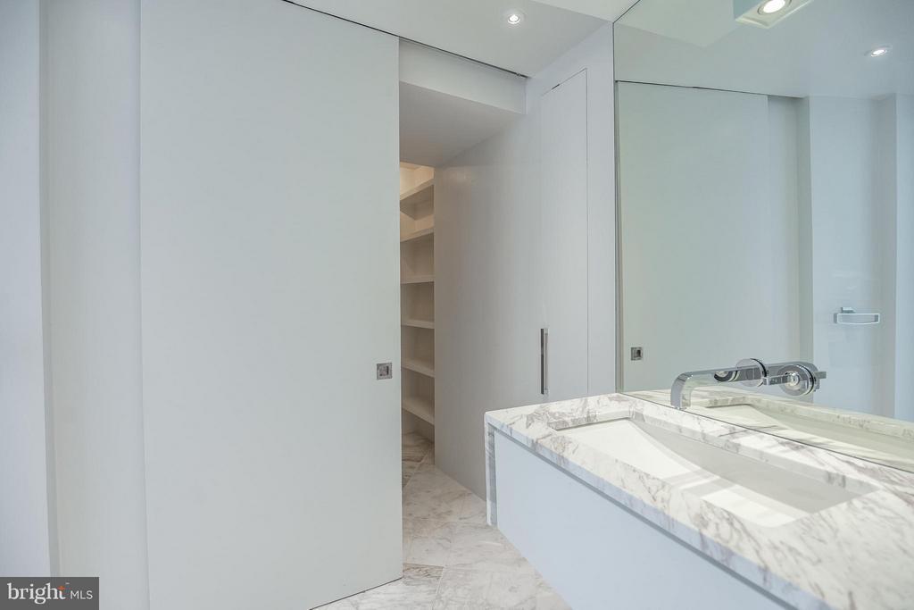 Bedroom (Master) - 2500 VIRGINIA AVE NW #717-S, WASHINGTON