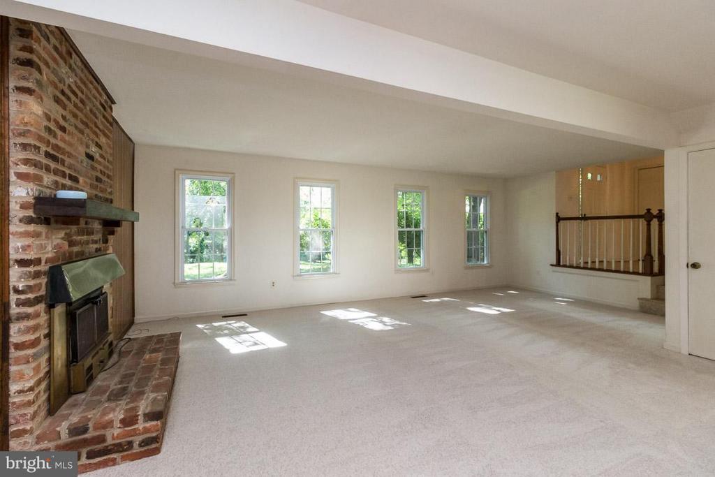 Family Room - 3402 LYRAC ST, OAKTON