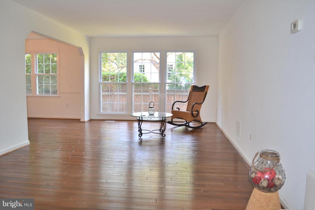 Living Room - 3402 LYRAC ST, OAKTON