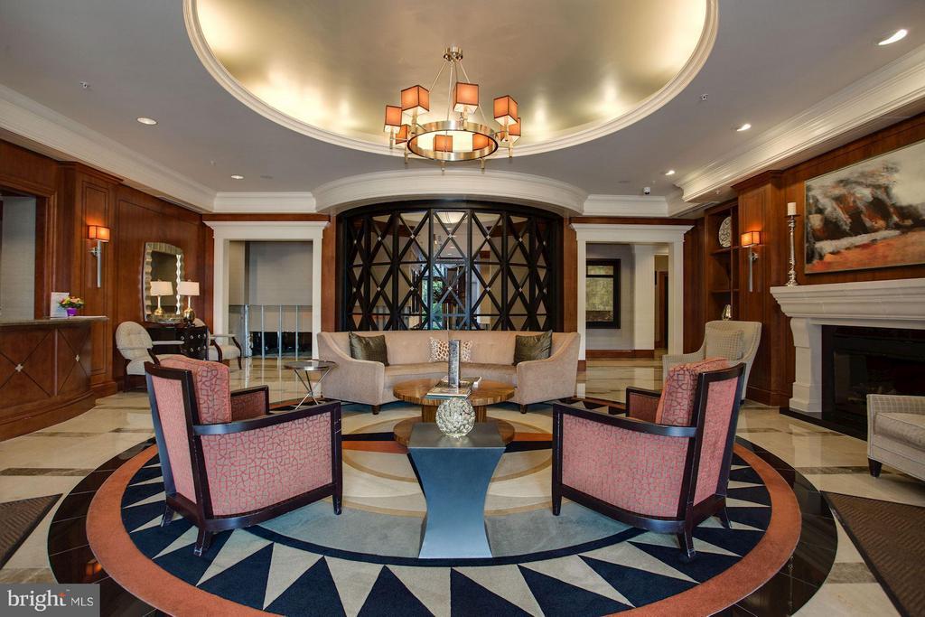 24 Hour Concierge - 8220 CRESTWOOD HEIGHTS DR #714, MCLEAN