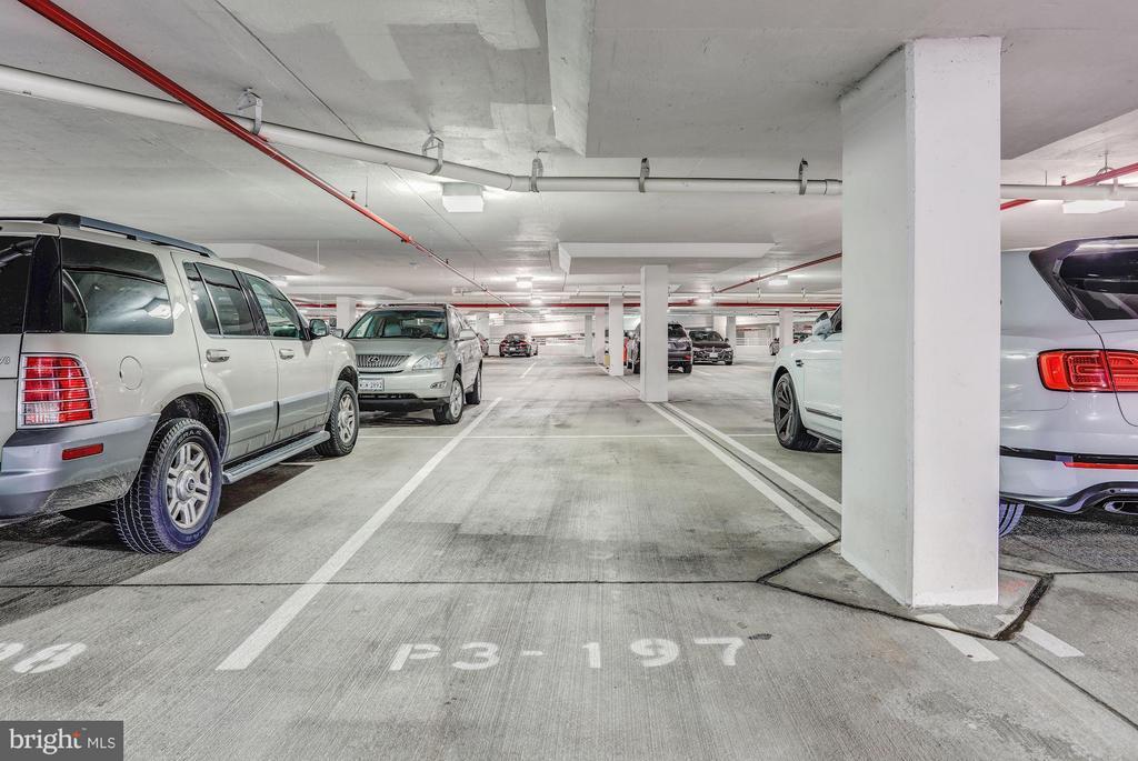 Assigned Parking In Garage - 8220 CRESTWOOD HEIGHTS DR #714, MCLEAN