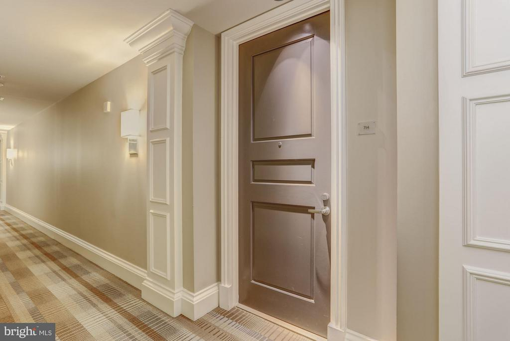 Warm Welcoming Entry - 8220 CRESTWOOD HEIGHTS DR #714, MCLEAN