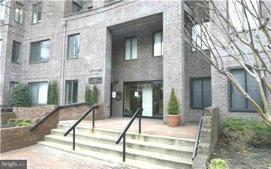 Single Family for Sale at 3 Washington Cir NW #1004 Washington, District Of Columbia 20037 United States
