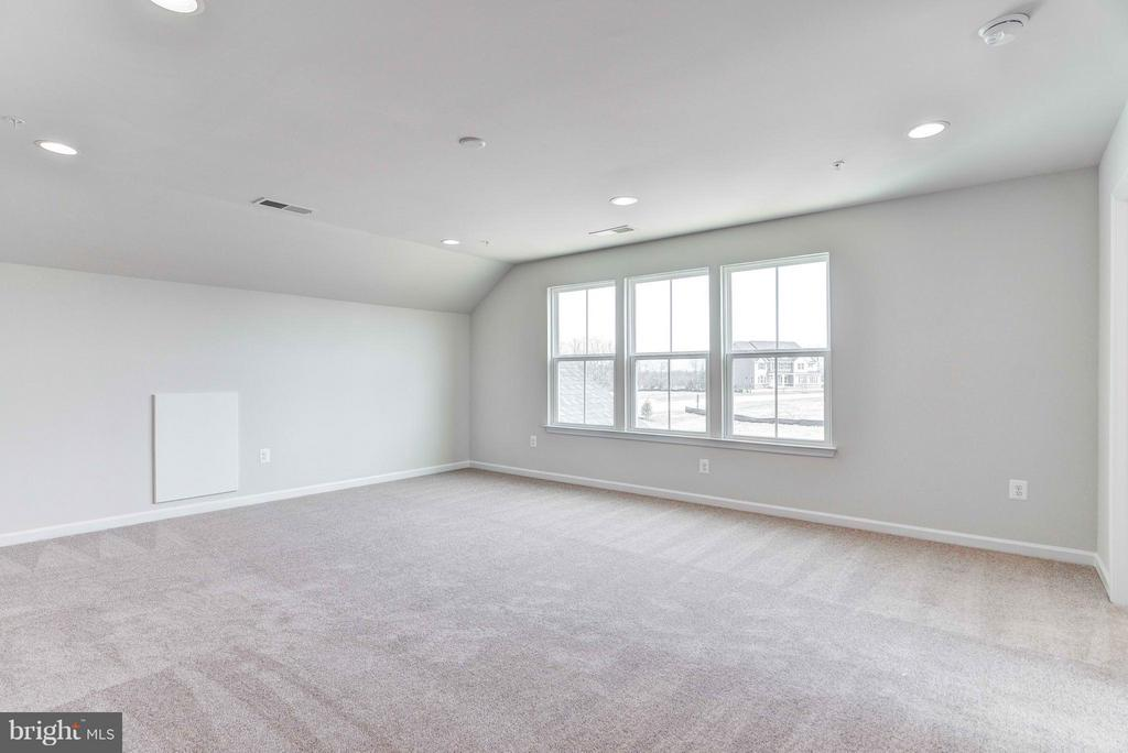 Bedroom (Master) - 8318 ALPINE CT, FREDERICK