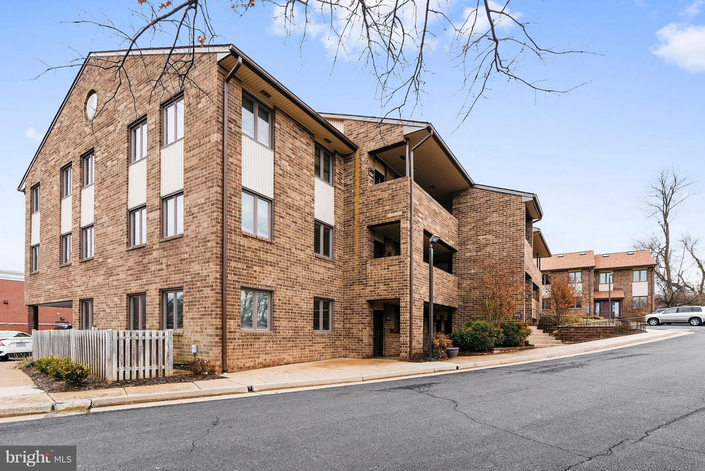 Other Residential for Rent at 2915 Hunter Mill Road #22 Oakton, Virginia 22124 United States