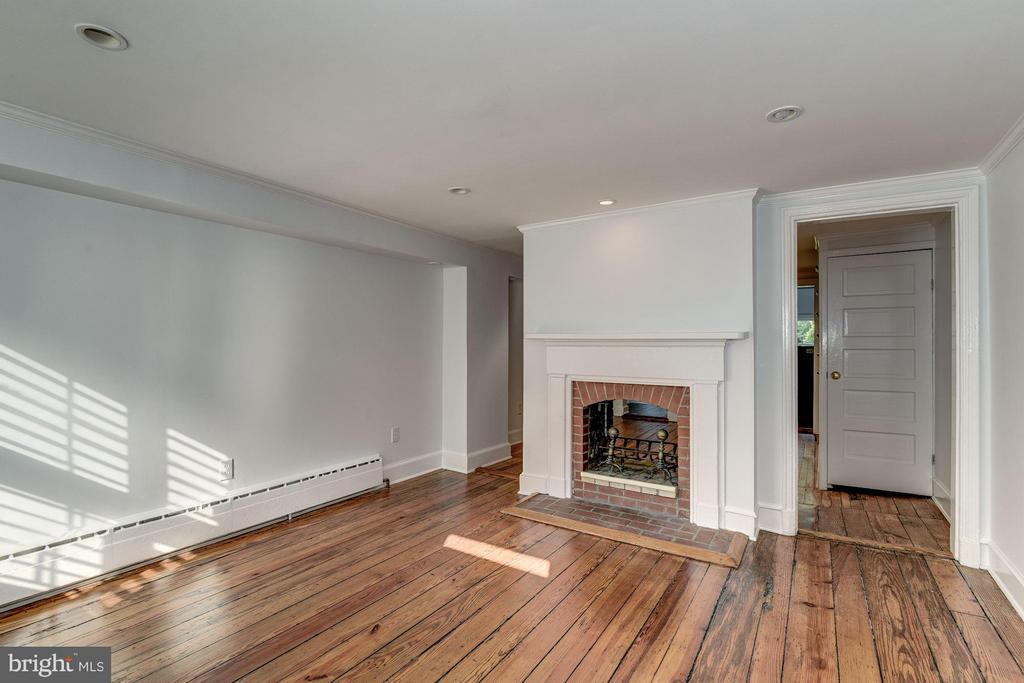 Living Room - 1521 33RD ST NW, WASHINGTON