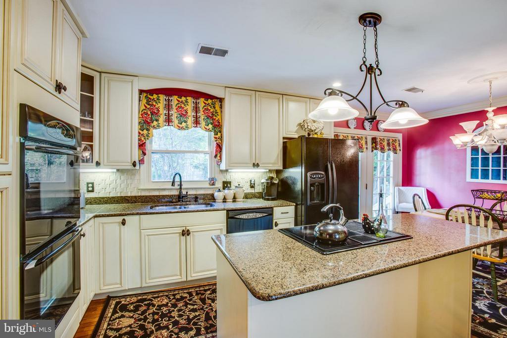 Double Oven, Cook-top, Hardwood, Granite Counters - 3 MICKEY CT, FREDERICKSBURG