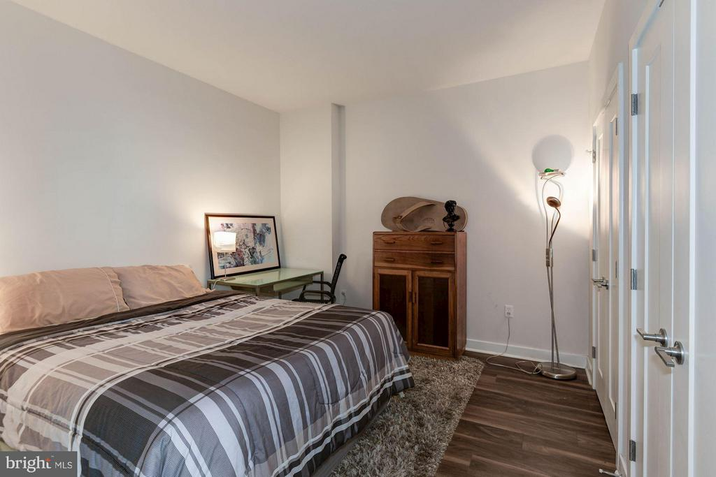 Den room has enough space for queen bed and extras - 460 NEW YORK AVE NW #607, WASHINGTON