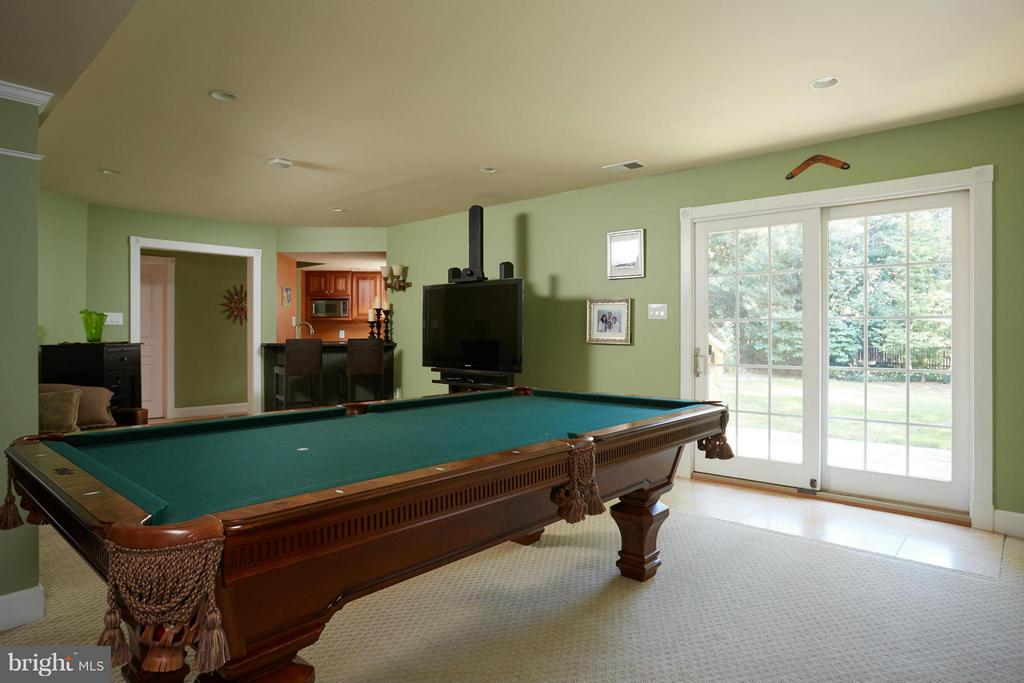 Family Room - 6750 25TH ST N, ARLINGTON
