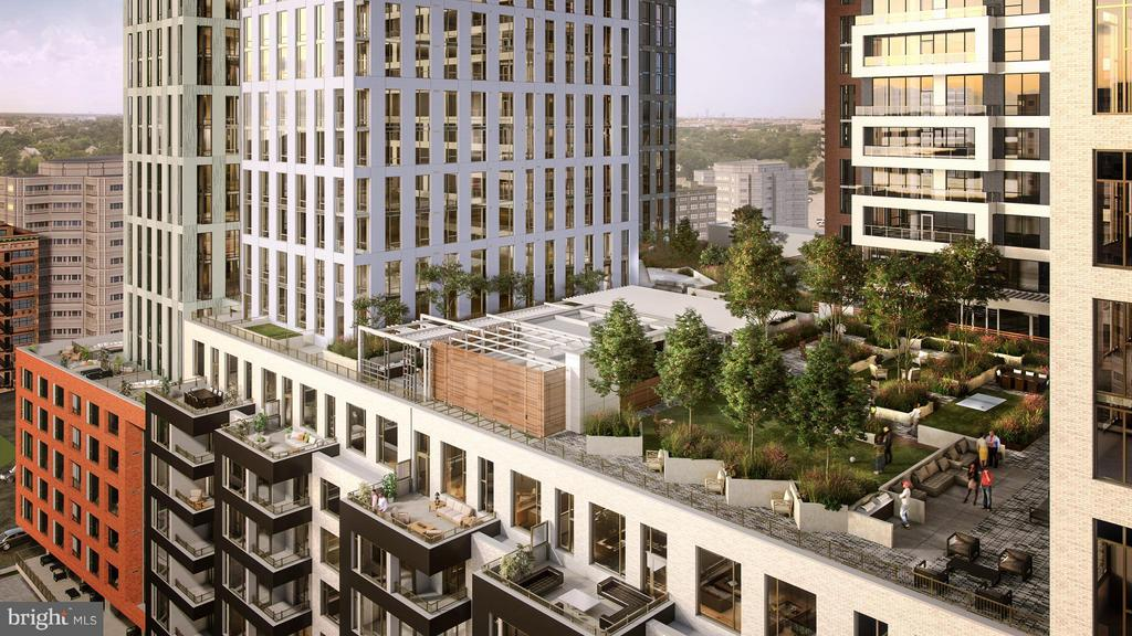 1/2 acre Skypark for the residences on the 9th fl. - 8399 WESTPARK DR #2307, MCLEAN