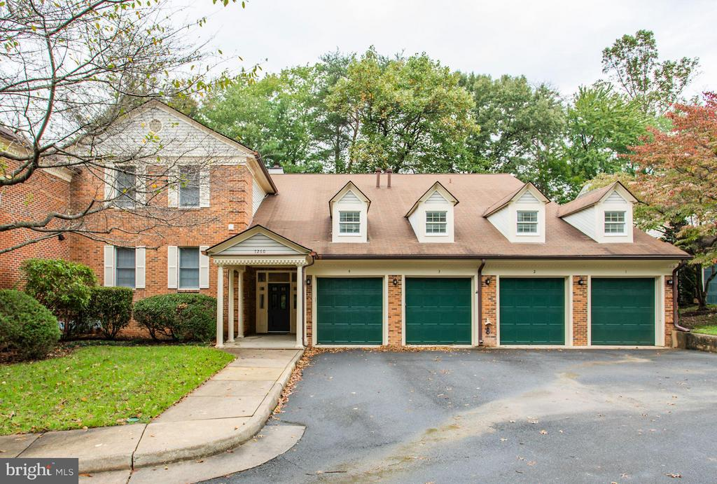 Exterior (Front) - 7260 GLEN HOLLOW CT #1, ANNANDALE