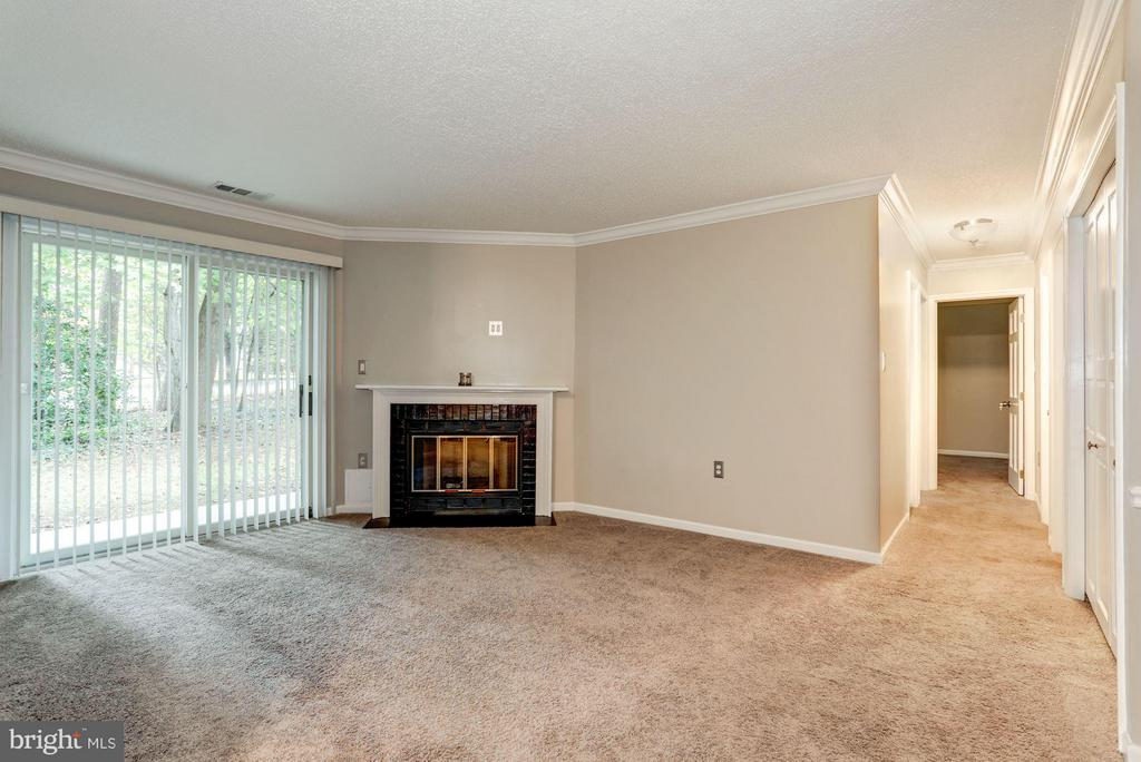 Living Room - 7260 GLEN HOLLOW CT #1, ANNANDALE
