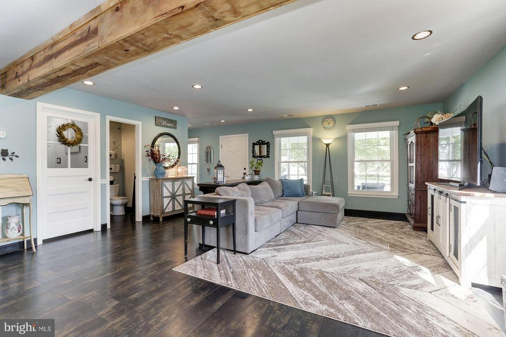 LIVING ROOM - SPACIOUS, LIGHT, BRIGHT, and AIRY! - 415 CLAGETT ST SW, LEESBURG