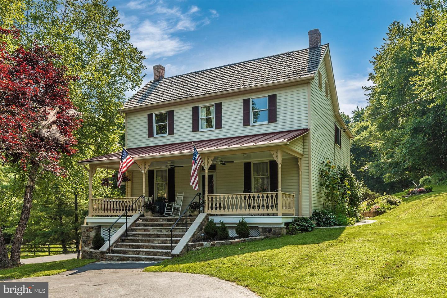 Single Family for Sale at 22611 Old Hundred Rd Barnesville, Maryland 20838 United States