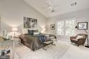 Master Bedroom with vaulted ceiling - 1331 SUNDIAL DR, RESTON