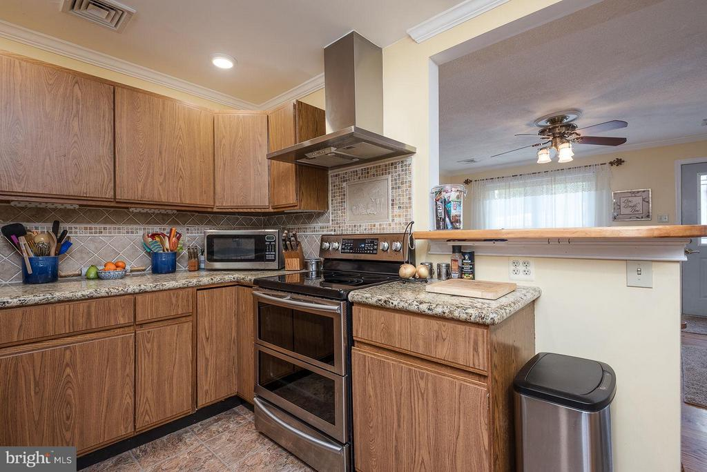 STAINLESS STEEL APPLIANCES - 8021 RUGBY RD, MANASSAS PARK