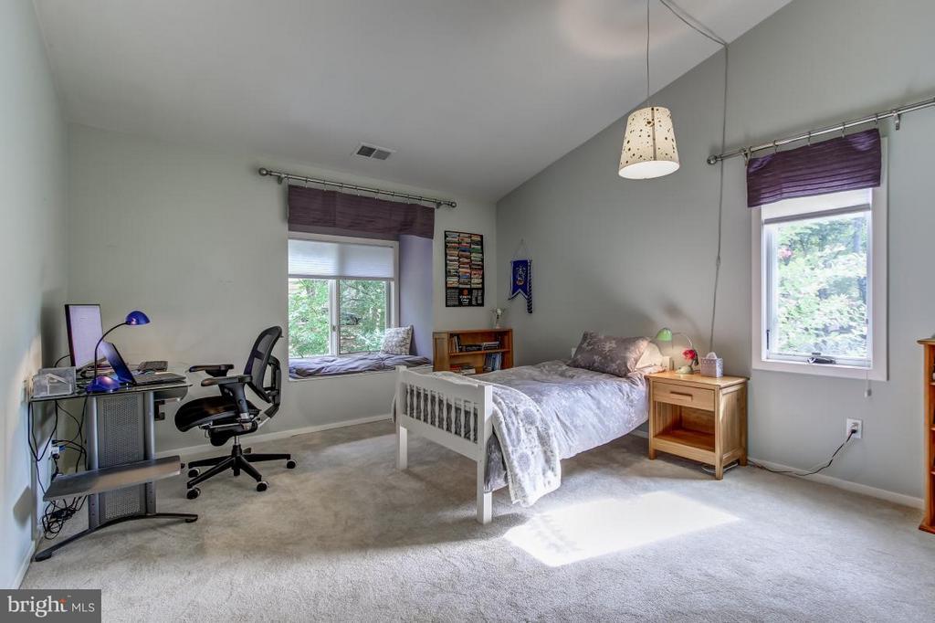 Bedroom - 1511 N VILLAGE RD, RESTON