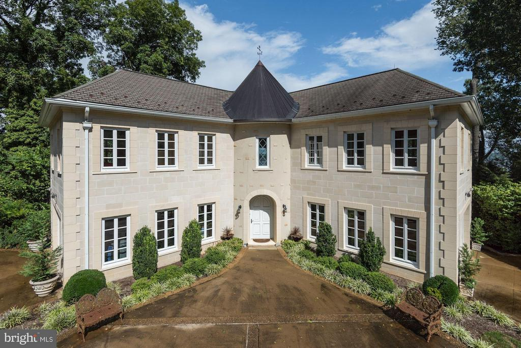 Elegant French Country Home with River Views - 7705 NORTHDOWN RD, ALEXANDRIA