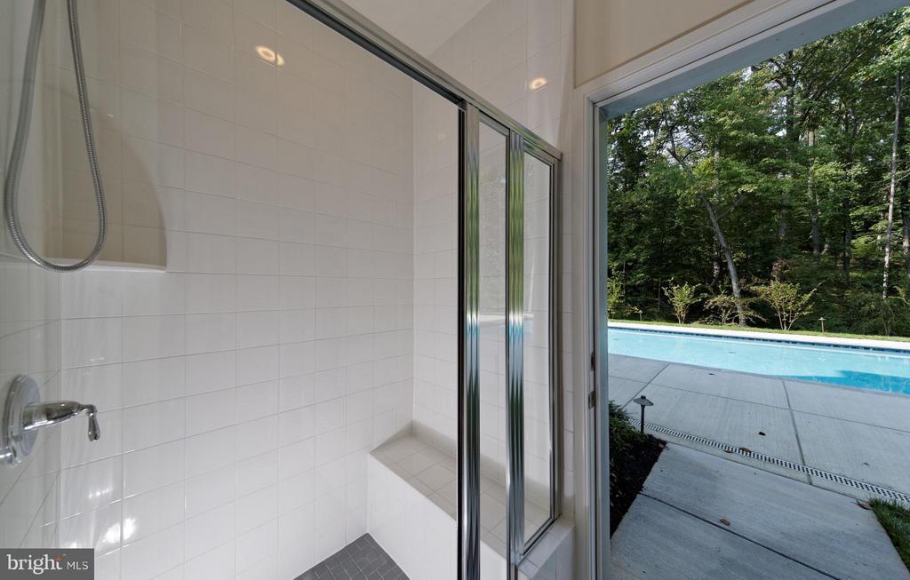 Pool Bath - 9109 DARA LN, GREAT FALLS