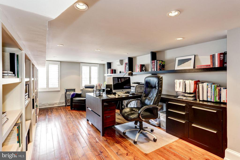 Office - 1409 29TH ST NW, WASHINGTON