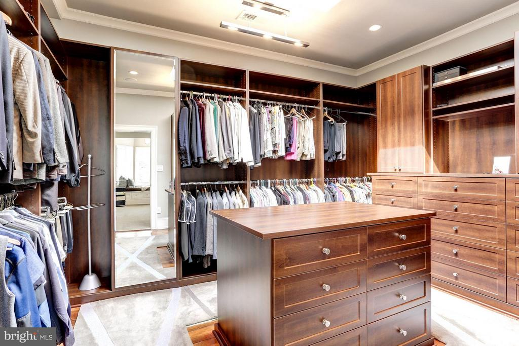 Walk in Closet #2 - 1409 29TH ST NW, WASHINGTON