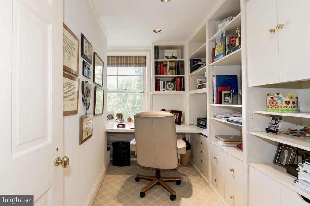 Office - 3263 N ST NW, WASHINGTON