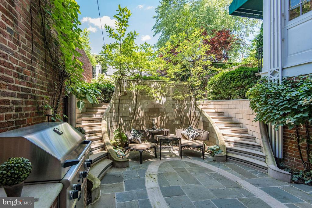 Garden - 3263 N ST NW, WASHINGTON