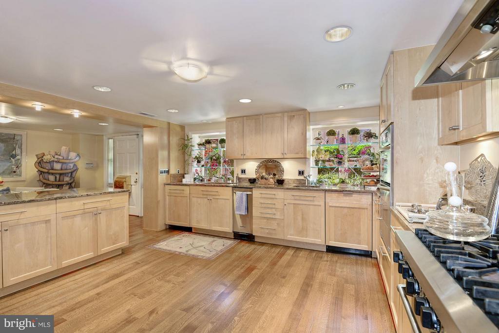 Kitchen - 3263 N ST NW, WASHINGTON