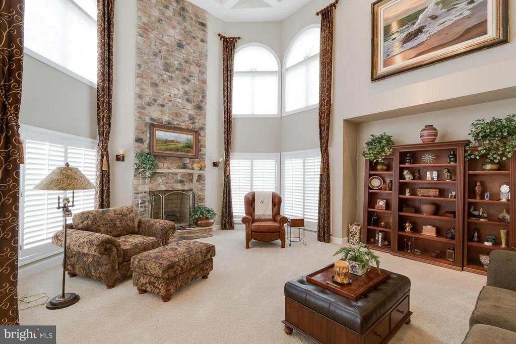 Family Room - 42814 APPALOOSA TRAIL CT, CHANTILLY