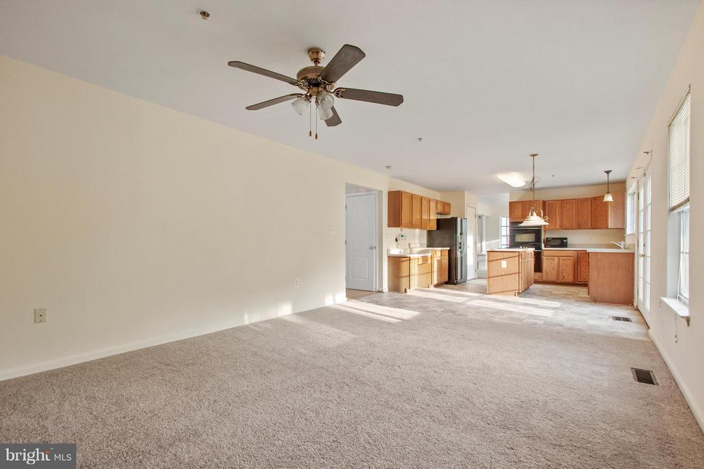 Family Room - 3701 HILL PARK DR, TEMPLE HILLS