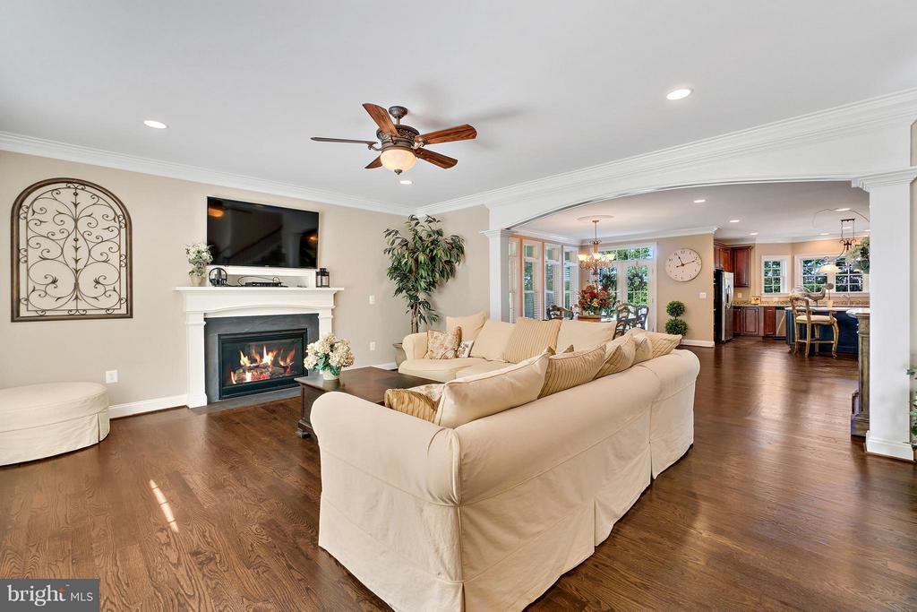 Living Room - 8100 LONGTREE RD, MANASSAS