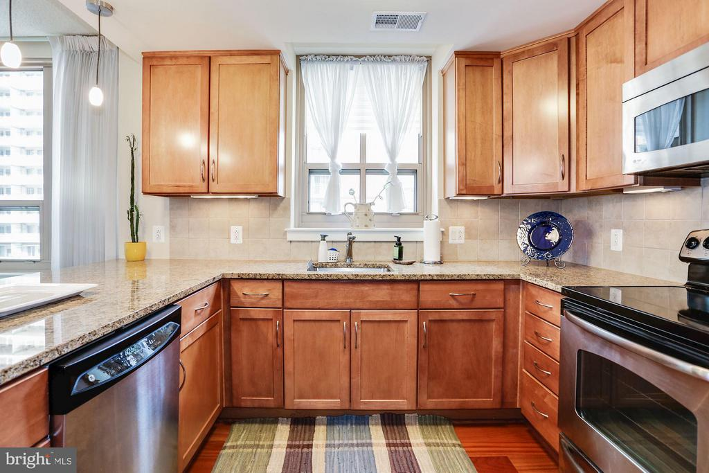 Kitchen - 888 QUINCY ST #401, ARLINGTON