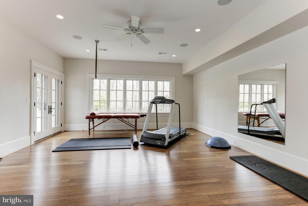 Fitness Room - 906 TURKEY RUN RD, MCLEAN