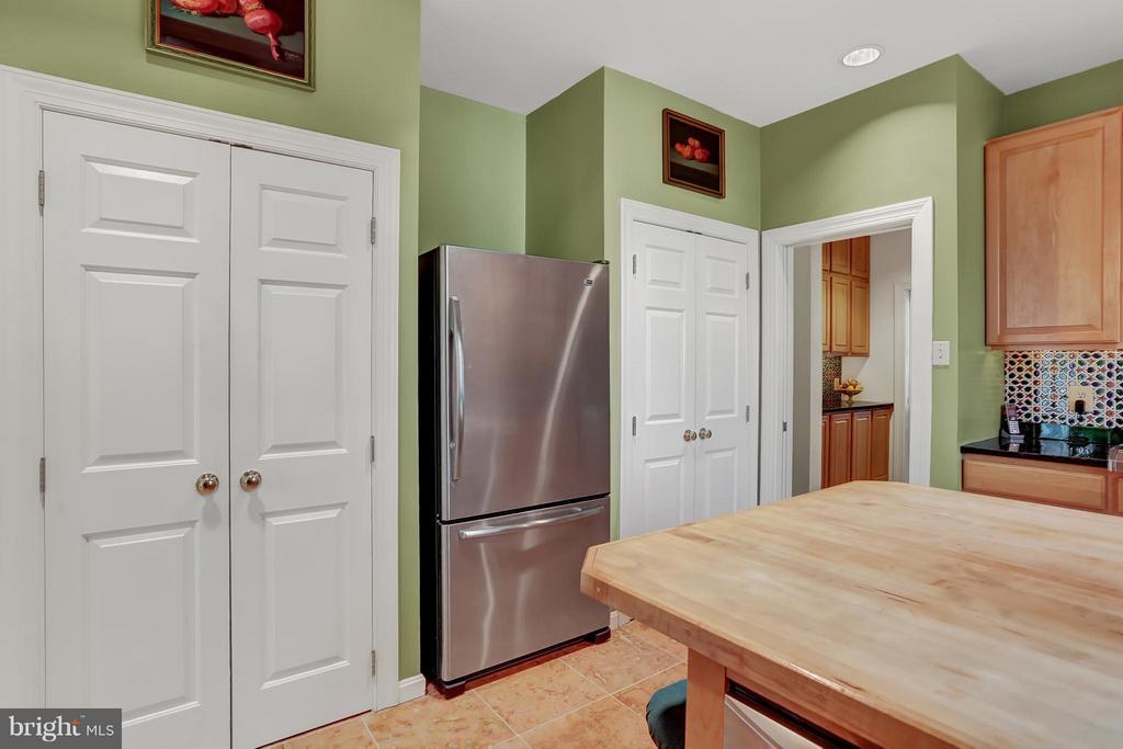 Kitchen - 11727 LAKEWOOD LN, FAIRFAX STATION