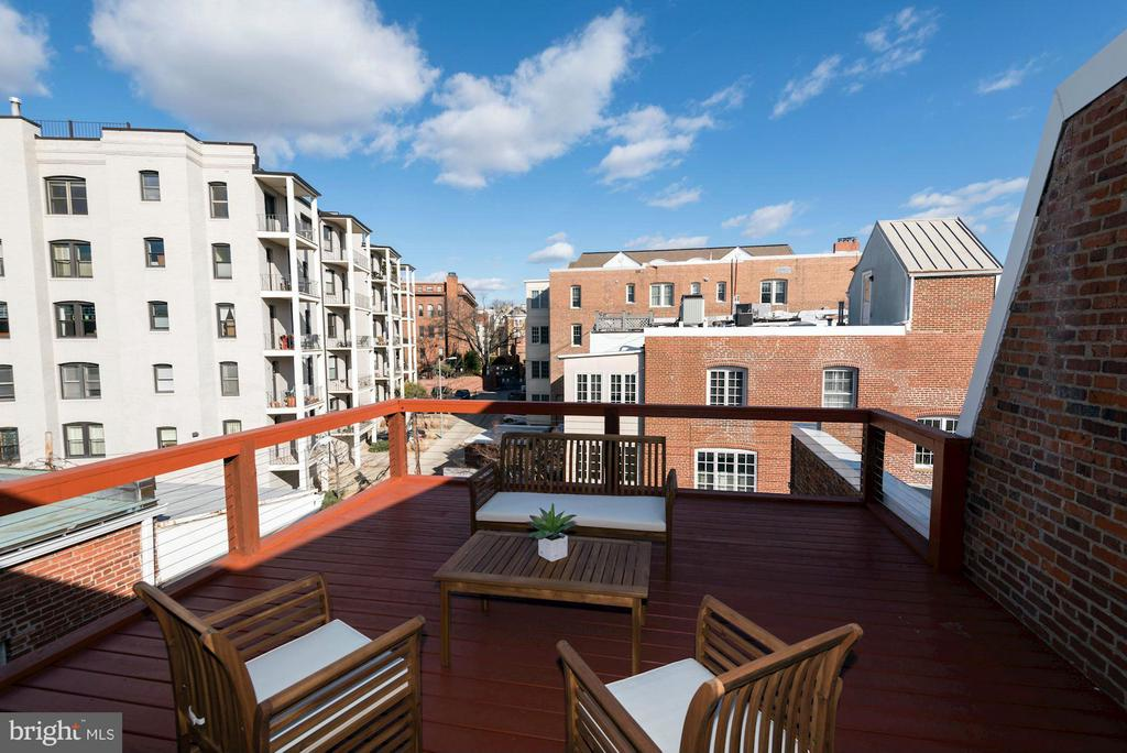 Top floor deck - 1821 23RD ST NW, WASHINGTON
