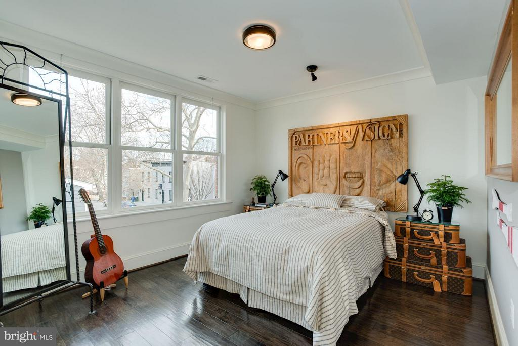 Terrific bedroom in upper unit - 1223 5TH ST NW, WASHINGTON