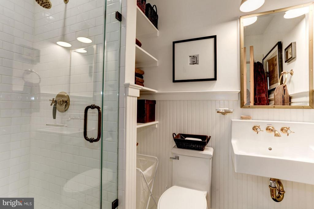 Georgeous ensuite BA in  lower level bedroom - 1223 5TH ST NW, WASHINGTON