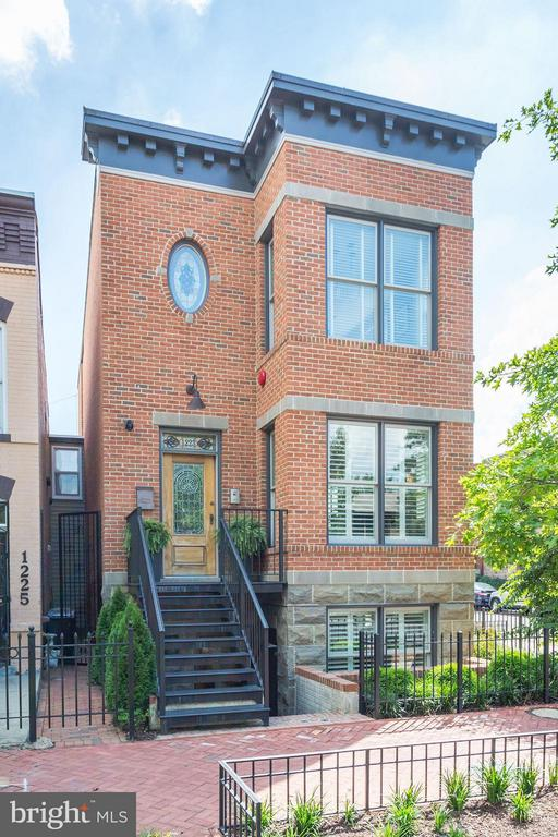Introducing The Wright House: 5 bedrooms and 5BAs - 1223 5TH ST NW, WASHINGTON