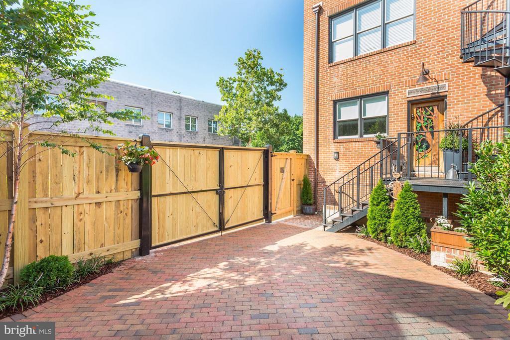 Custom made mechanical gate to parking, terrace - 1223 5TH ST NW, WASHINGTON