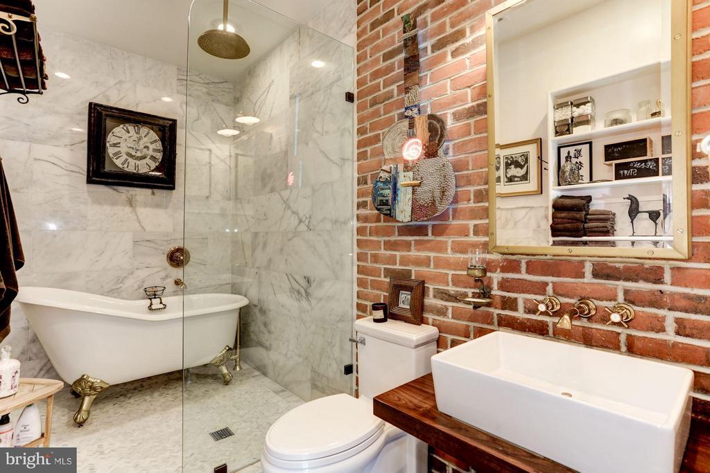 Luxurious master bath with Ocean White marble - 1223 5TH ST NW, WASHINGTON