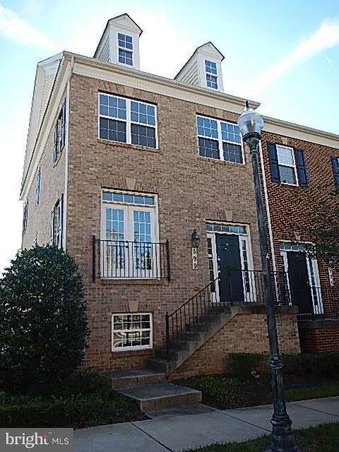 Photo of home for sale at 599 Pelican Avenue, Gaithersburg MD